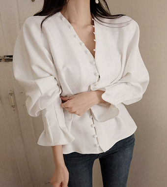 special line blouse (2colors!)  [ ivory 일주일 지연 ]
