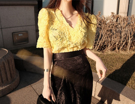 lively lace blouse (2colors!)  [일주일 지연]
